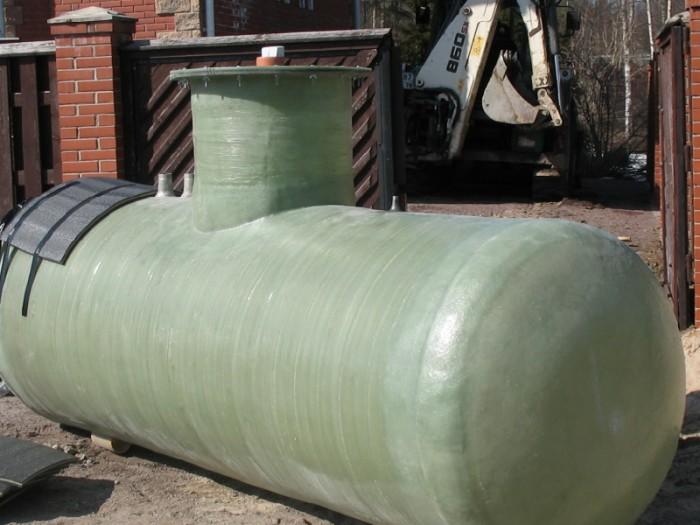 Стеклопластиковая топливная емкость
